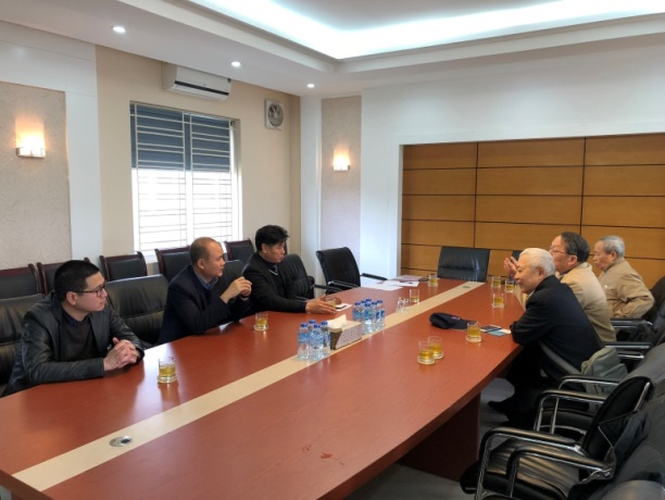 Discussion with VAAS executives.
