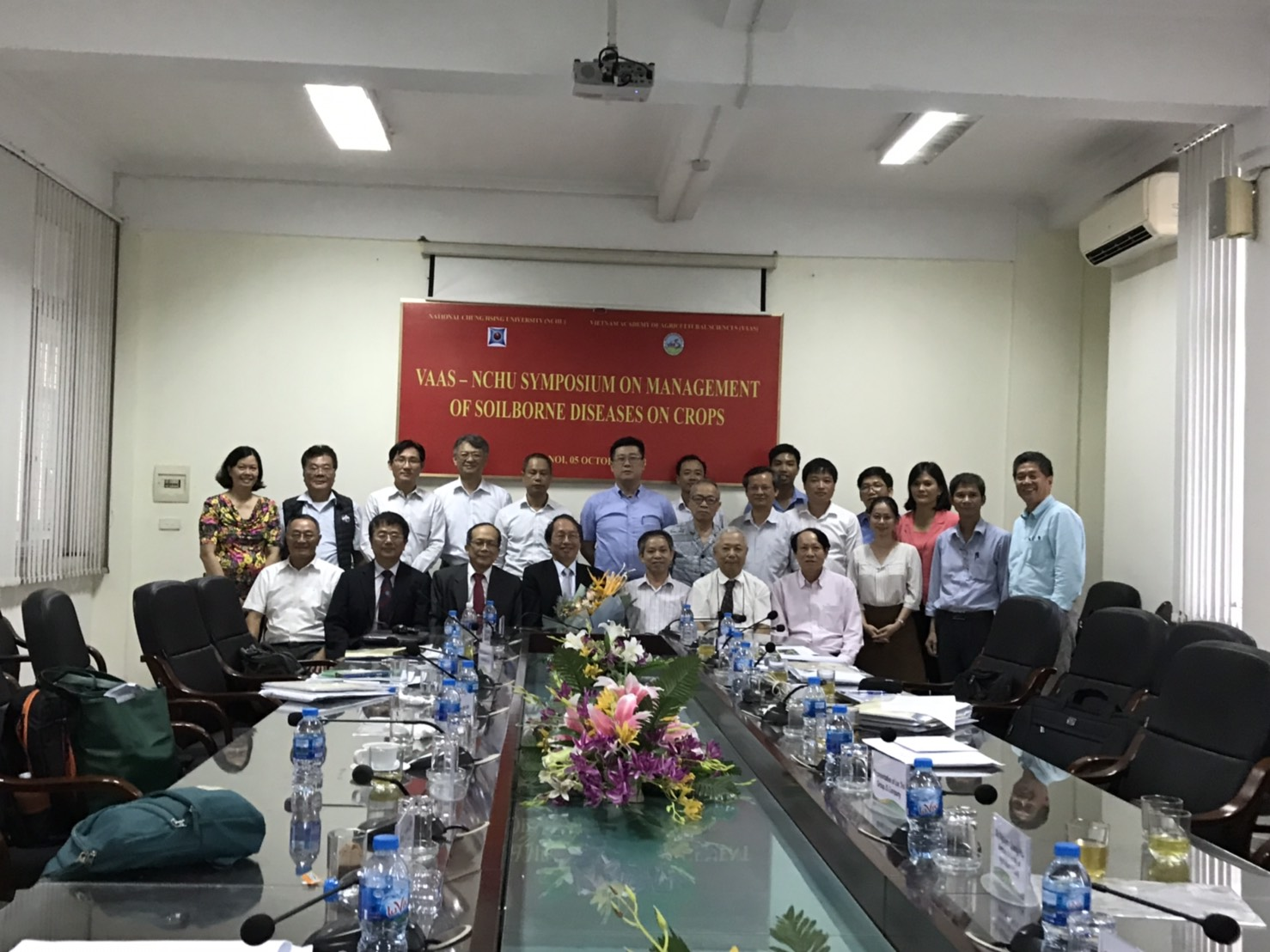 Group of the Taiwan and Vietnam speakers.