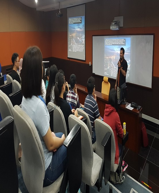 Student delegation visits departments of the University of Reading, Malaysia