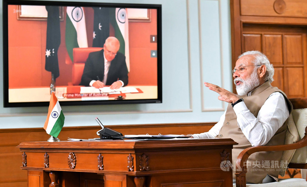 PM Modi, Australian PM bolster military ties's picture