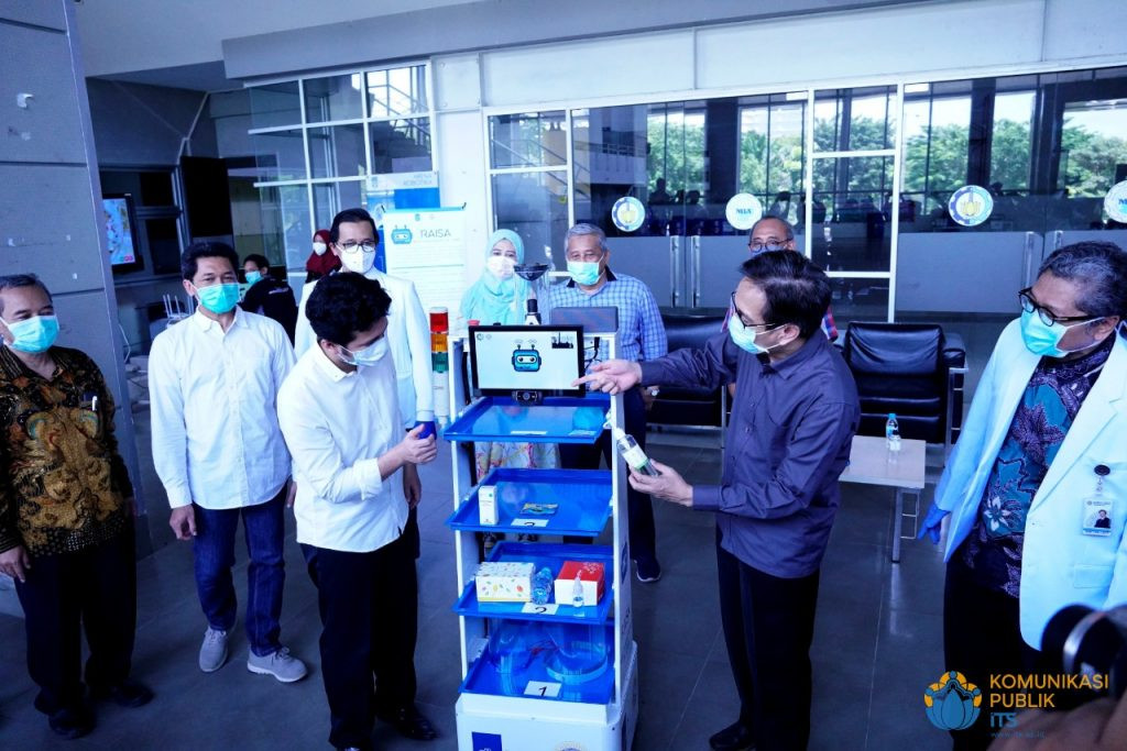 From test kits to robots, Indonesia develops locally made devices to aid COVID-19 battle's picture