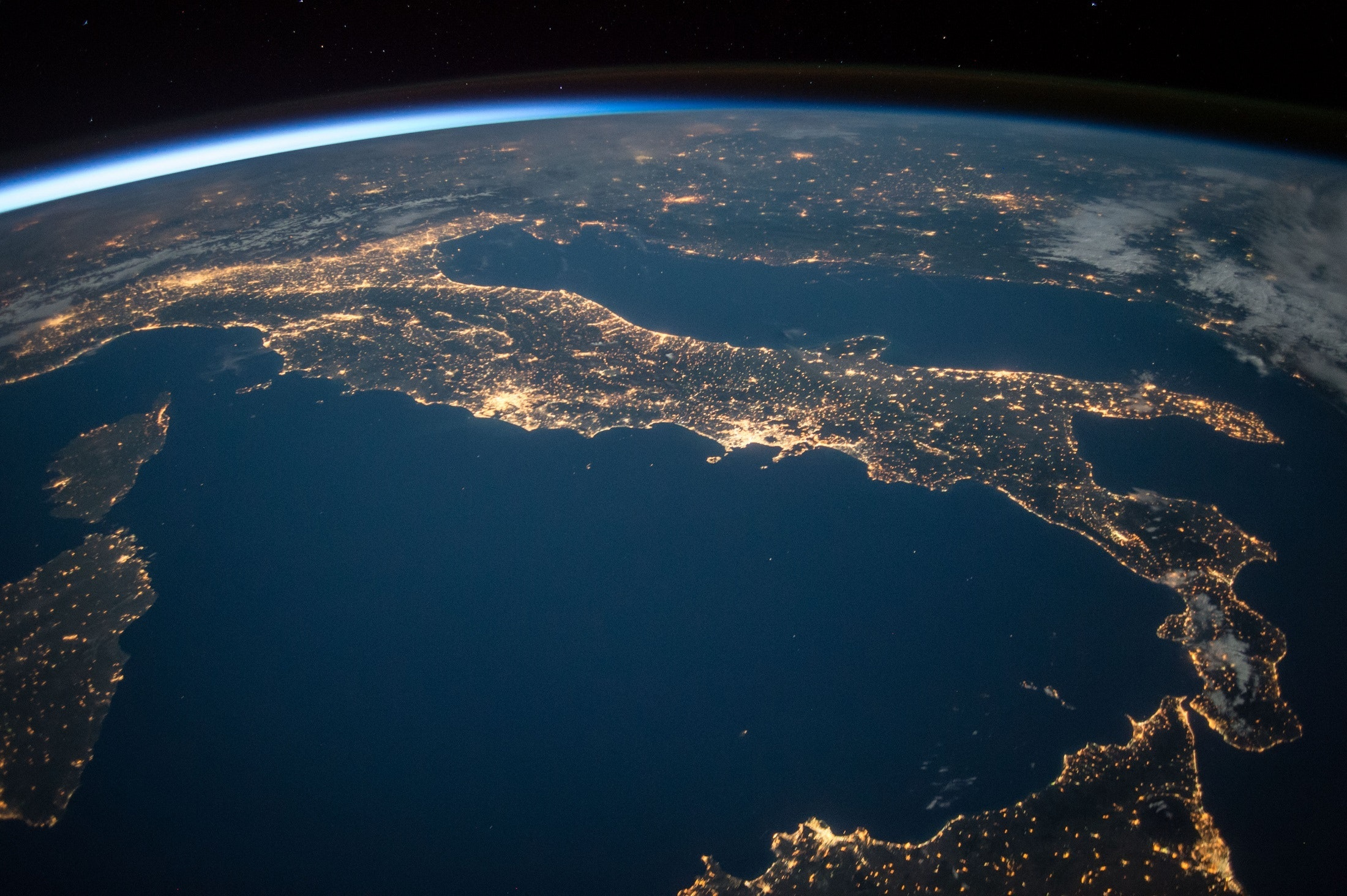 Australia and New Zealand should help their island neighbours get into space's picture