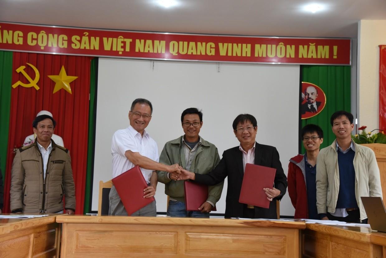 """圖說,本單位""""海外科研中心""""計畫團隊赴越南簽訂三方合作備忘錄"""