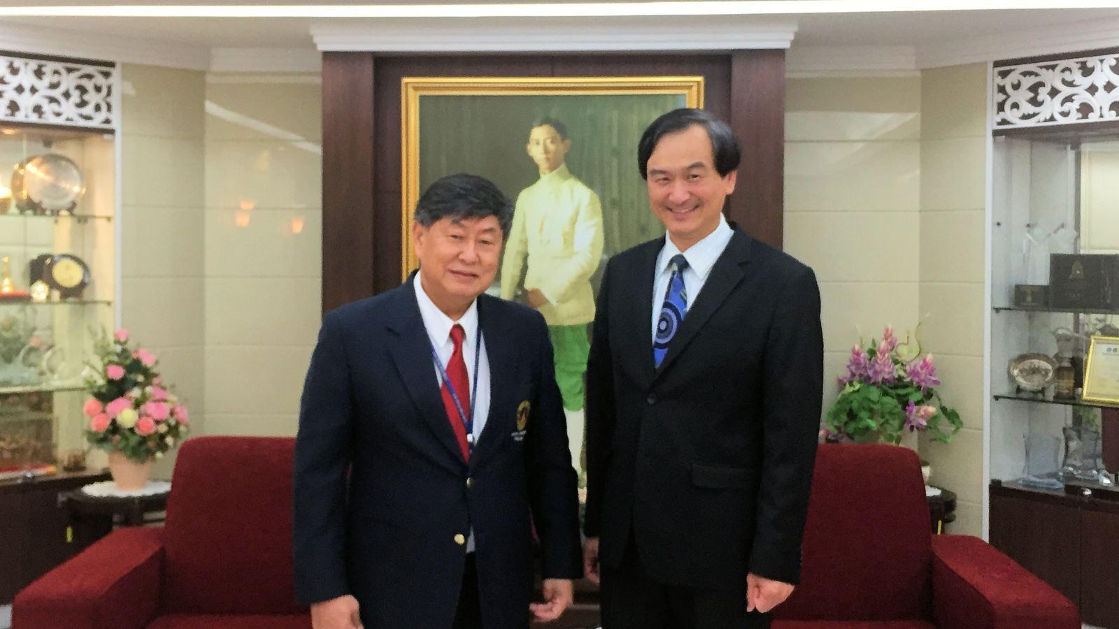 圖4: 2018年蘇芳慶副校長與Banchong Mahaisavariya校長合影於瑪希敦大學校長室