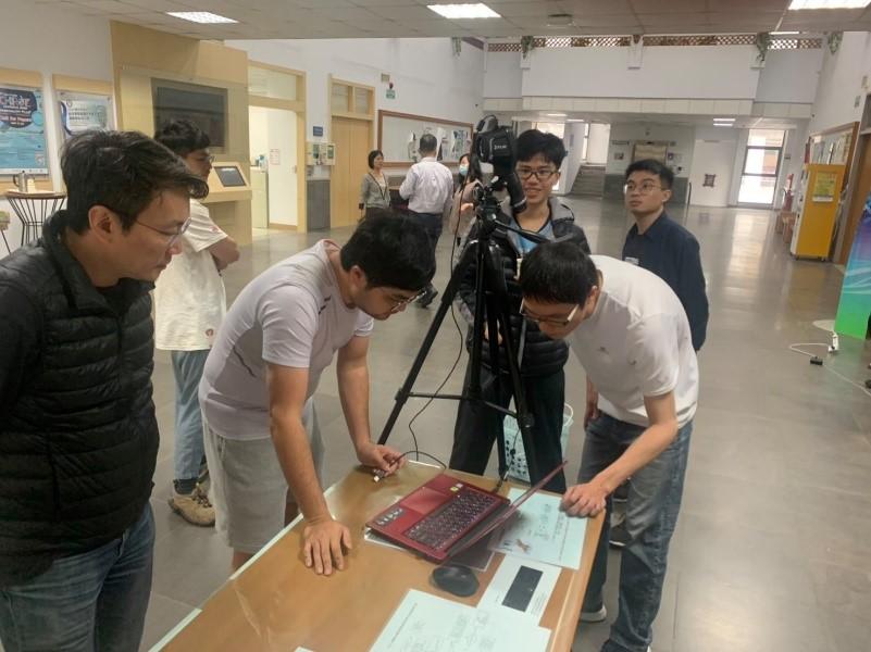團隊開發出人臉辨識系統!搭配熱像儀,和中正大學的師生們共同抗疫