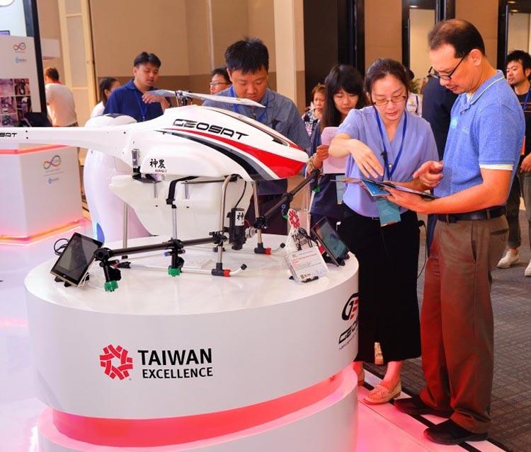 臺灣有許多優秀企業等待機會大顯身手。而臺灣形象展就像一個平台,讓這些企業有機會站上新南向國家舞台