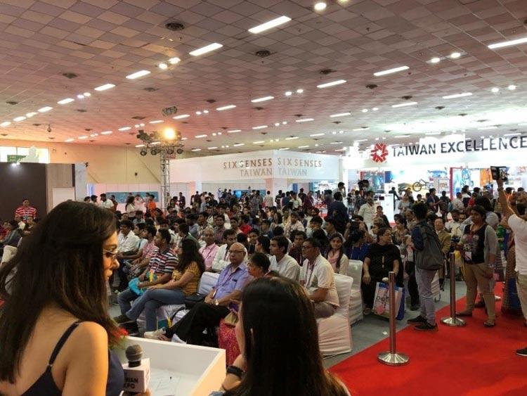 臺灣文化表演受印度民眾歡迎,台下座無虛席。