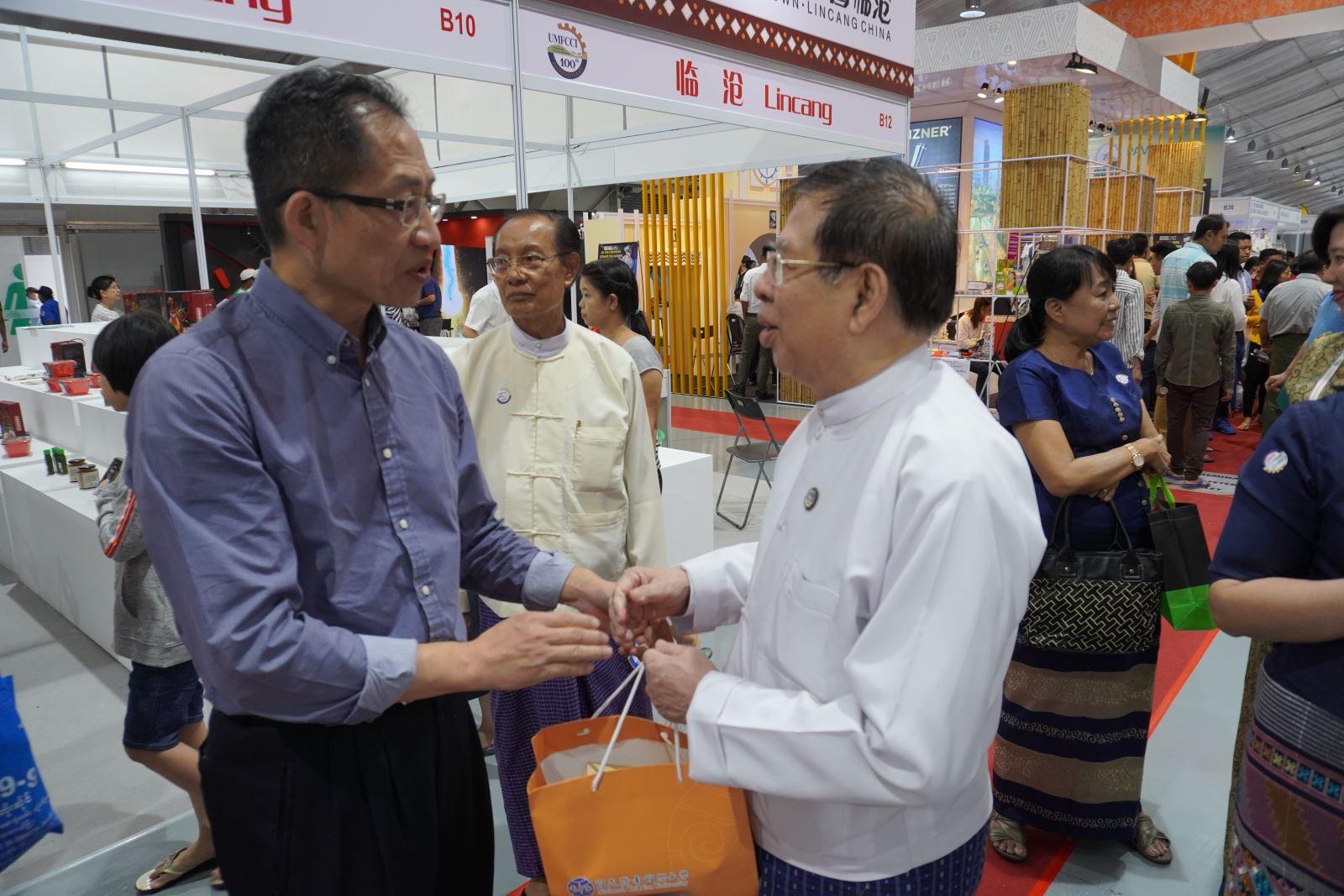 2019.09.22 UMFCCI主席 U Zaw Min Win赴本攤位訪視