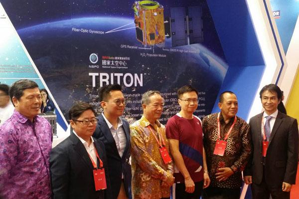 印尼形象展貴賓於國家太空科技館前合影