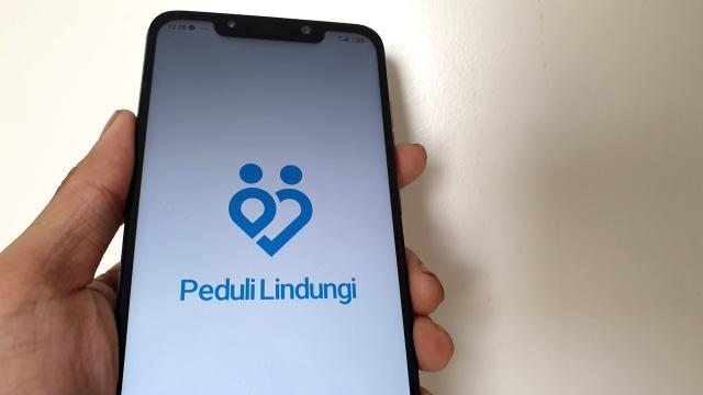 印尼通訊和信息部與國有企業部於3月合作推出PeduliLindungi app, 以藍芽連接的方式,讓使用者能快速交換其他鄰近使用者的健康資訊。若使用者靠近疑似確診病患,app也會發出警示通告。